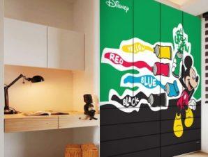 Ο Mickey με χρώματα ζωγραφικής! Παιδικά Αυτοκόλλητα ντουλάπας 100 x 100 εκ.